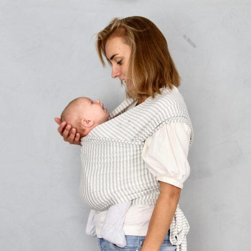 bilde av baby og mor bæresjal